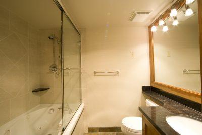 Shower & Surround